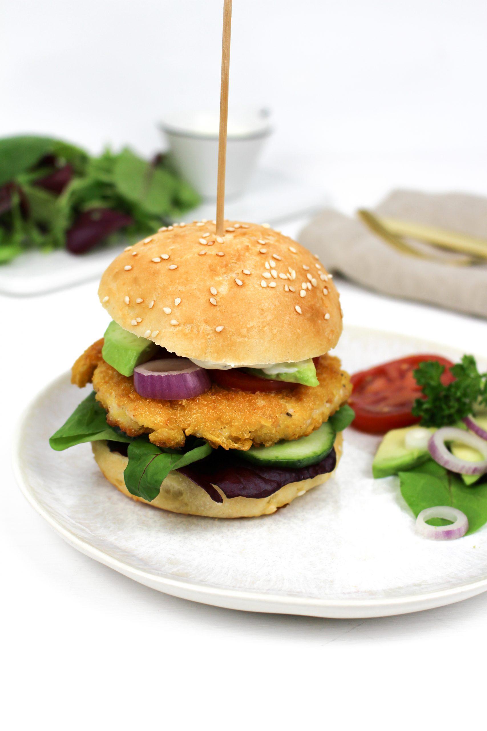 Knuspriger Chicken Burger mit Joghurt-Senf Sauce